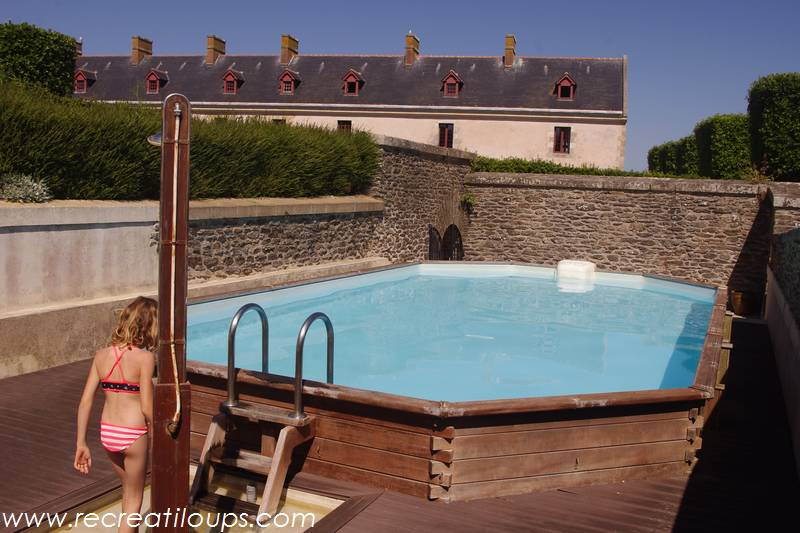 Une piscine sur les remparts