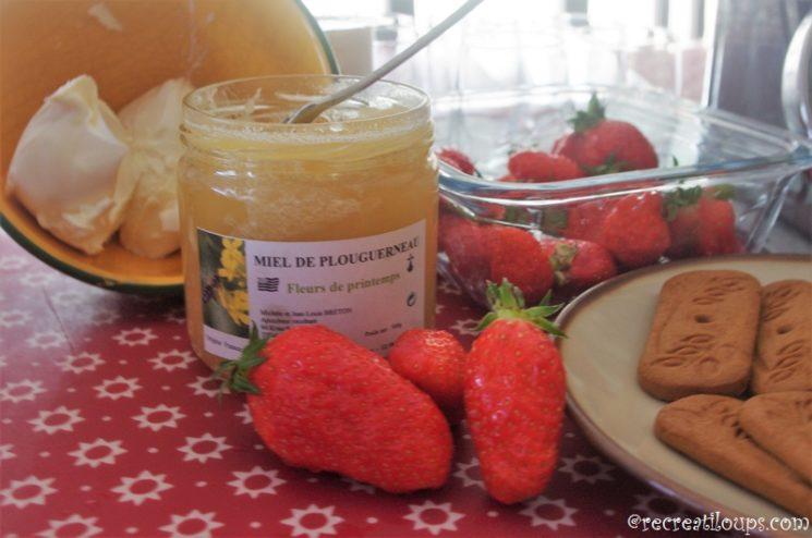 Préparation de verrines à la fraise