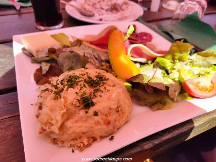 Truffade et assiette du Cantal